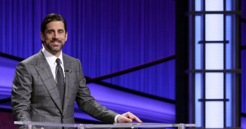 Aaron Rodgers gets super nerdy on 'Jeopardy!'