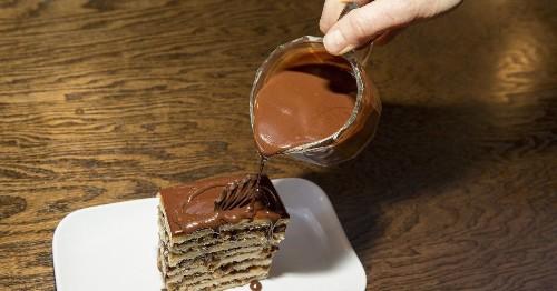 Hyde Park's Boozy Bookstore and Dessert Bar Opens Tonight