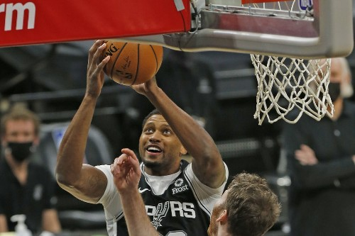 Open Thread: LaMarcus Aldridge and Rudy Gay move up the all-time scoring list this week