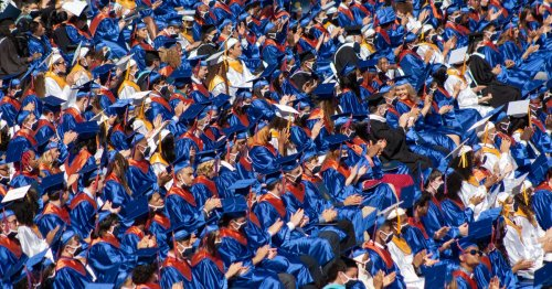Chicago high school students graduate at a record rate amid the pandemic