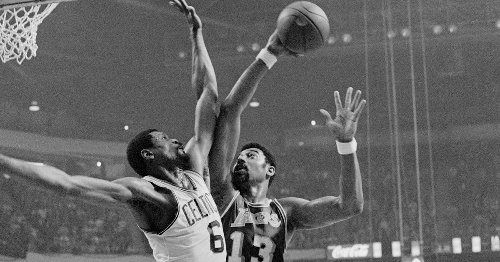 YouTube Gold: Wilt Chamberlain Dominating And Leading The Fast Break