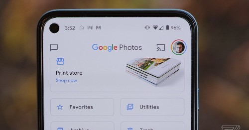 Google Photos now lets you set a changing wallpaper that pulls images from your memories