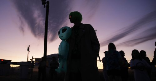 Should we contact aliens? Why we may want to avoid UFOs