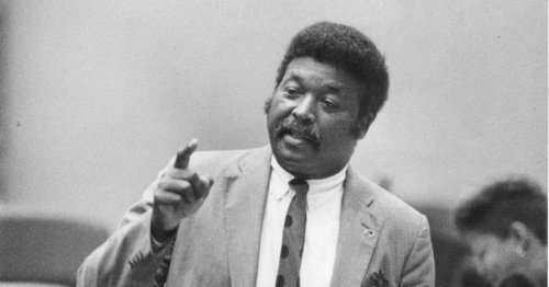 Robert Shaw dies at 83; was Chicago alderman, member of Cook County Board of Review