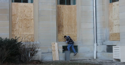National Guard leaves, plywood comes down at Illinois State Capitol, but coronavirus prompts state Senate to cancel session days