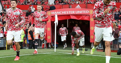 Manchester United looking for midfield options in January