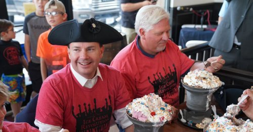 Glenn Beck and Mike Lee faced off in Utah's most patriotic ice cream eating contest