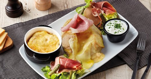 An American Tourist Broke French Twitter with a Ham and Cheese–Topped Baked Potato