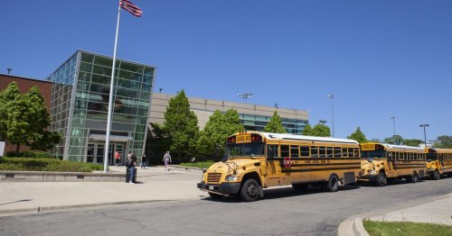 Read the tentative agreement that could govern Chicago's high school reopening