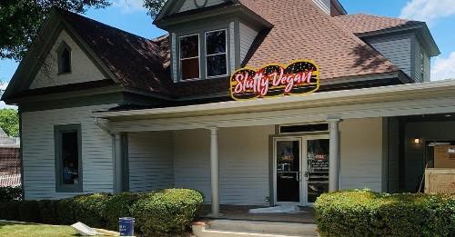 Vegan Burger Restaurant Slutty Vegan Debuts Its Second Location in Jonesboro