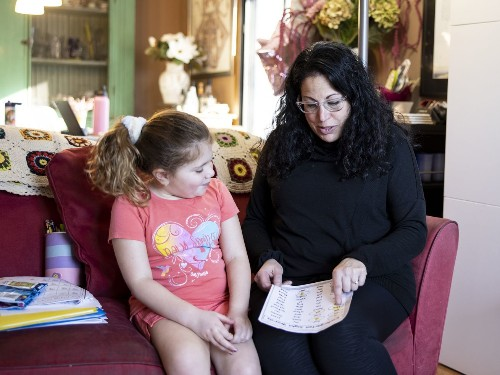 Moms are bearing the brunt of U.S. COVID-19 job losses