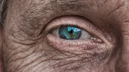 La mirada de los demás 'detiene' el tiempo - Vozpópuli