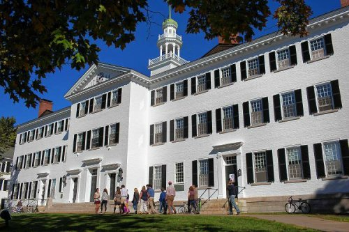 With Dartmouth out of dorm space, students spill into cramped housing market