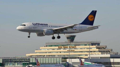 Spektakuläres Flugzeug-Video aus NRW: Airbus fliegt nur 200 Meter über Köln