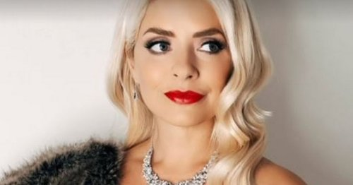 Holly Willoughby swamped with support over 'incredible' Halloween outfit