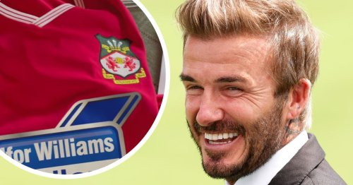 Ryan Reynolds sends David Beckham Wrexham shirt and challenges Man Utd legend