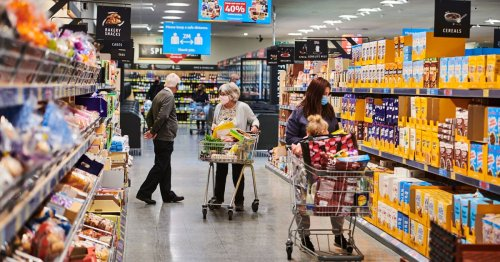Aldi worker explains how to get cashiers to slow down at the tills
