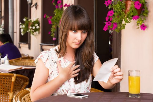 Don't Fall For These Expensive Tricks When Dining Out | WalletGenius