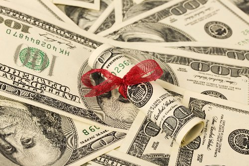 How to Give Money Without Paying the Federal Gift Tax   WalletGenius