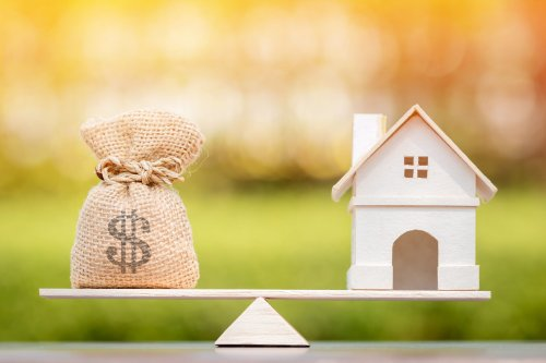 Should You Refinance Your Mortgage Right Now? | WalletGenius