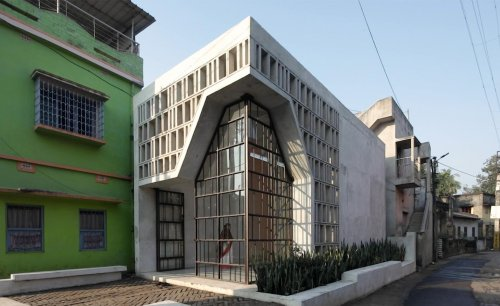 A modern Indian temple's architecture is tailored to the needs of its community