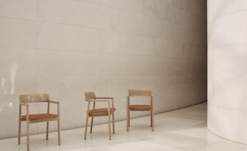 Benchmark with Foster + Partners: the genesis of a chair