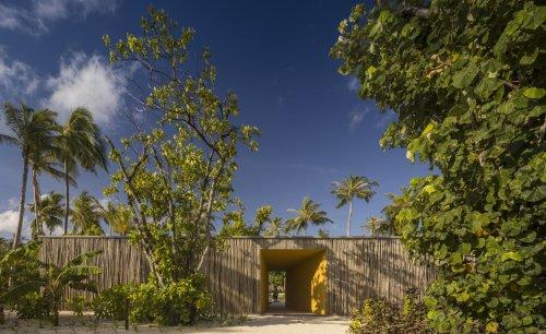 Marcio Kogan's first resort celebrates tropical modernism in the Maldives