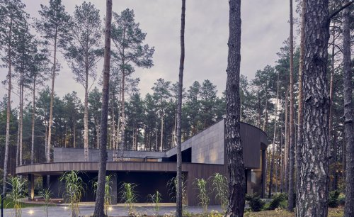 Perfectly circular home hides deep in the Polish forest