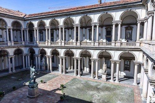 Discover Milan's secret courtyards