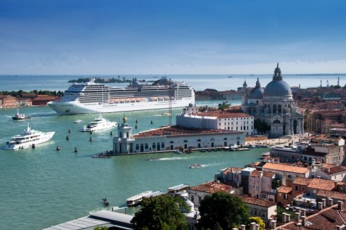 Italy: Venice risks UNESCO blacklist if cruise ships not banned