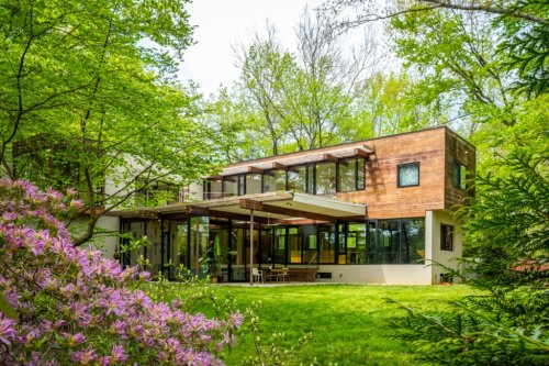 Look Inside This Green Energy-Powered Modern Dream Home Near DC