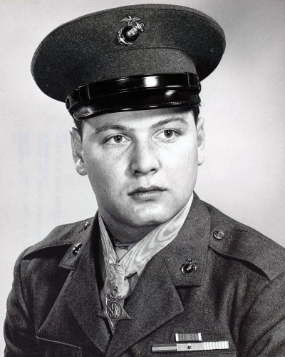Duane E. Dewey, Medal of Honor recipient with 'a body of steel,' dies at 89