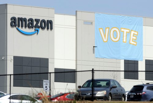 Union appears headed toward defeat in Amazon vote in Alabama