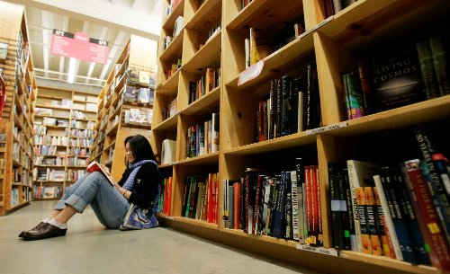 Indie bookstores avoid the worst — so far — from pandemic