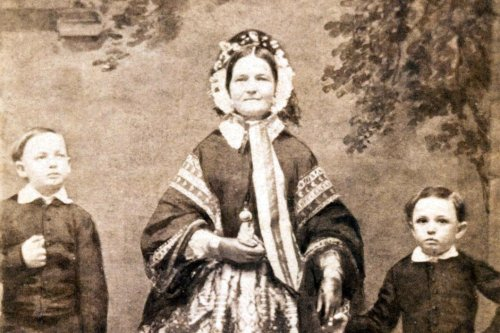 Mary Lincoln wasn't 'crazy.' She was a bereaved mother, new exhibit says.