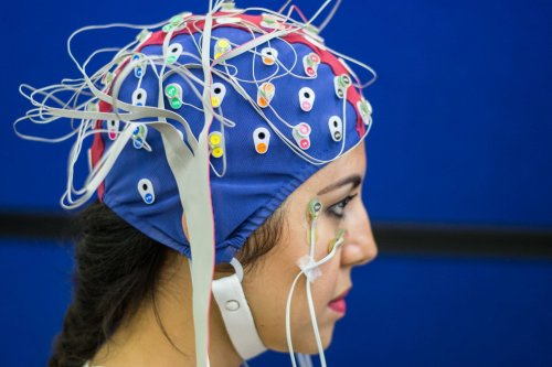 Psychotherapy never cleared my 'brain fog' and mental health woes. So I tried neurofeedback.