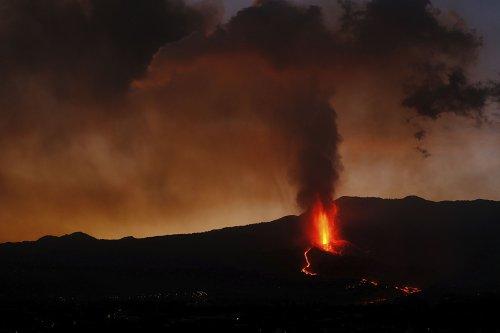 Cumbre Vieja volcano on La Palma Canary Islands continues to erupt - The Washington Post