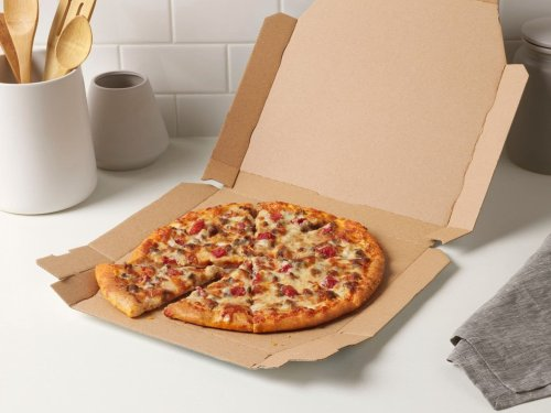 Domino's new taco and cheeseburger pizzas seem like smart mash-ups, but they just don't deliver
