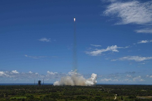 China's Mars mission lifts off, aiming to join U.S. in landing on Red Planet