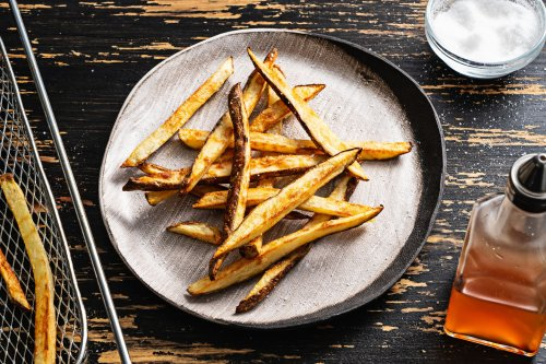How to make crispy air-fryer fries with no fuss and very little muss