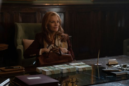 Michelle Pfeiffer reigns over flawed 'French Exit' with mesmerizing hauteur