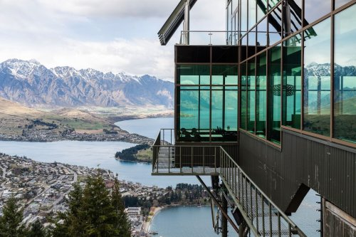 The best place to ride out a global societal collapse is New Zealand, study finds