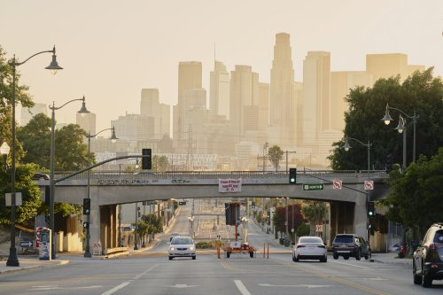 High numbers of Los Angeles patients complained about coughs as early as December, study says