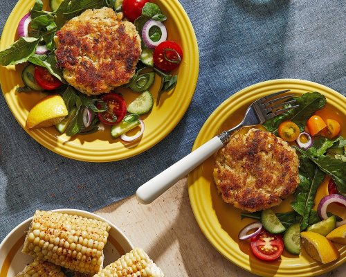 These simple, lemony crab cakes let the star ingredient shine