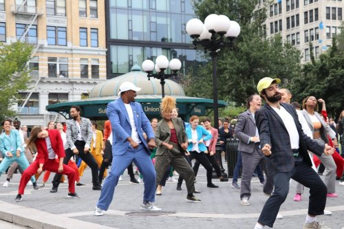 'Pantsuit Power' flashmob video for Hillary Clinton: Two women, 170 dancers and no police