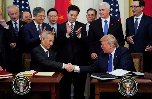 U.S. considers cutting trade with China's biggest semiconductor manufacturer