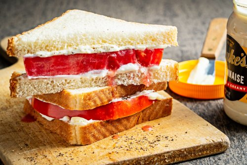 This Southern tomato sandwich is a messy, 5-ingredient ode to summer's star