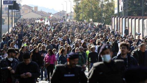 Zertifikats-Pflicht in Italiens Arbeitswelt: Proteste, aber kein Chaos