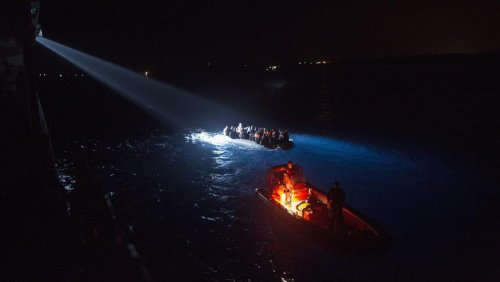 Flüchtlinge in Seenot: Griechenland rettet 36 Menschen von sinkendem Segelboot