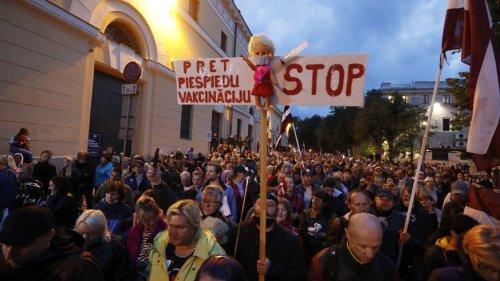 Lettland wird zur Warnung für Länder mit tiefer Impfquote